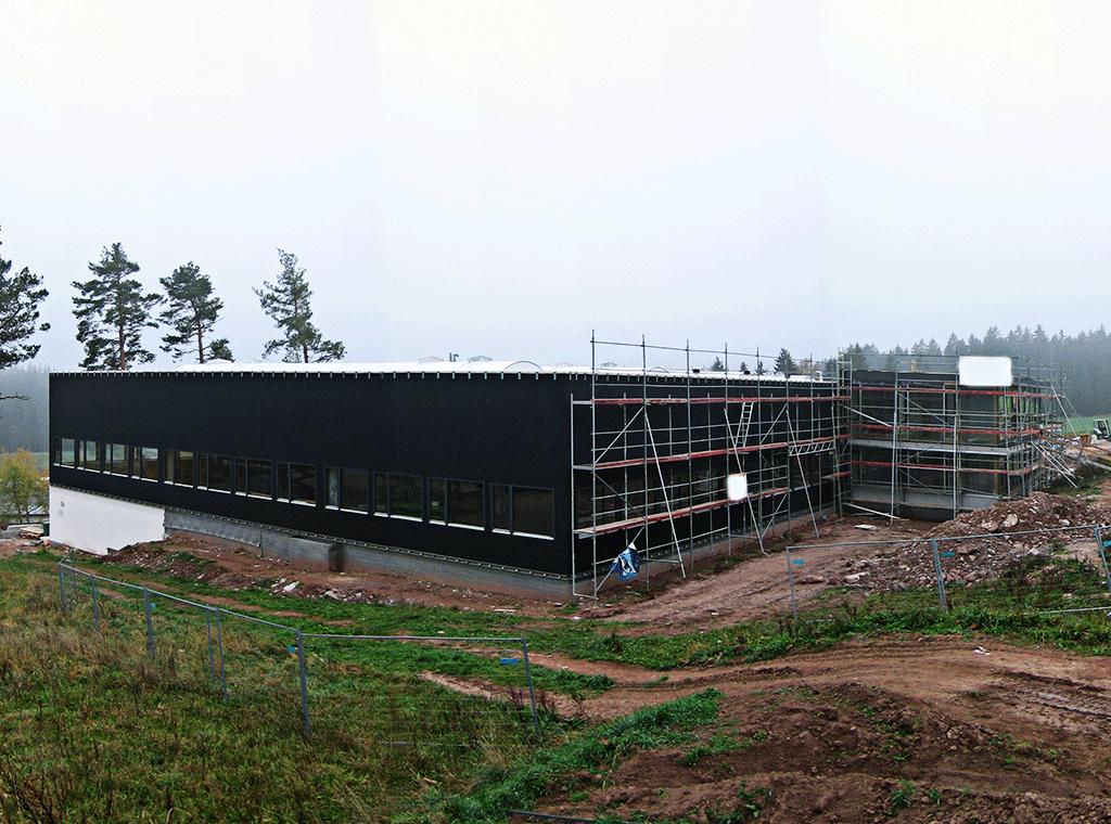 Stamisolfassade für Netzbespannung
